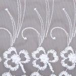 Firana haftowana po całości kwiatowy wzór zbliżenie